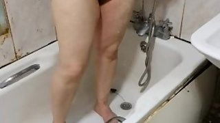 Step son caught and fucked step mom naked in the shower