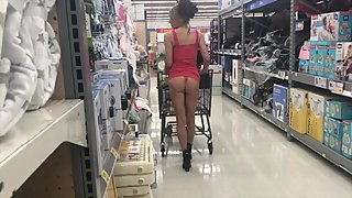 HOT MILF SHOPPING SHOW OFF NO PANTIES HIGH HEELS SHORT SKIRT PERFECT PUSSY