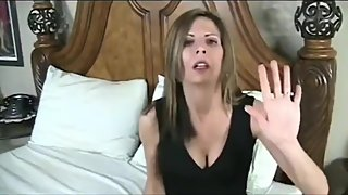 Horny mature stepmom convinced her stepson to fuck her tight ass