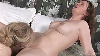 Nica Noelle & Nina Hartley